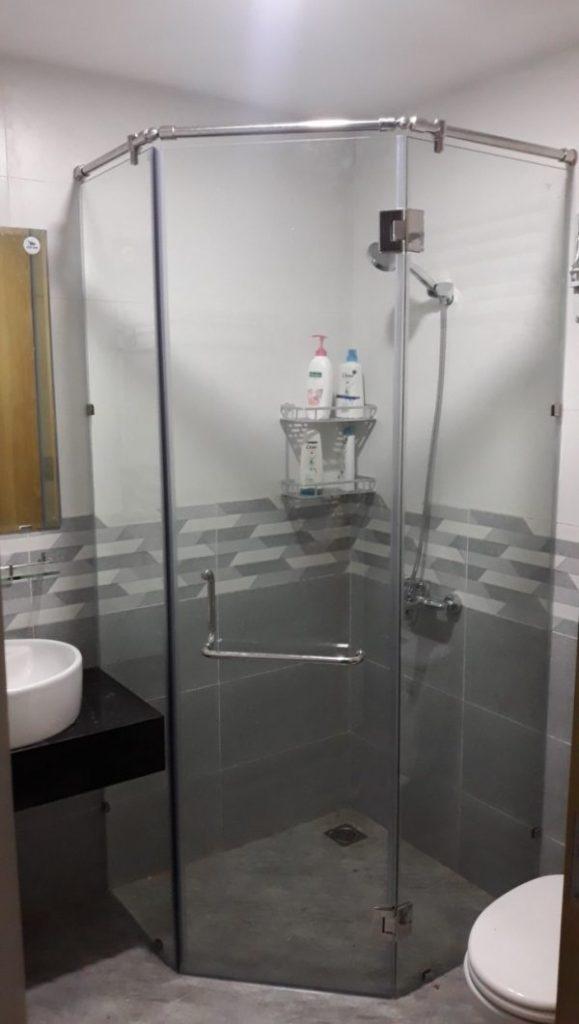 cửa kính cường lực cho phòng tắm