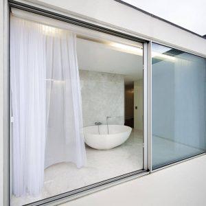 Cấu tạo cửa nhôm kính nhà vệ sinh
