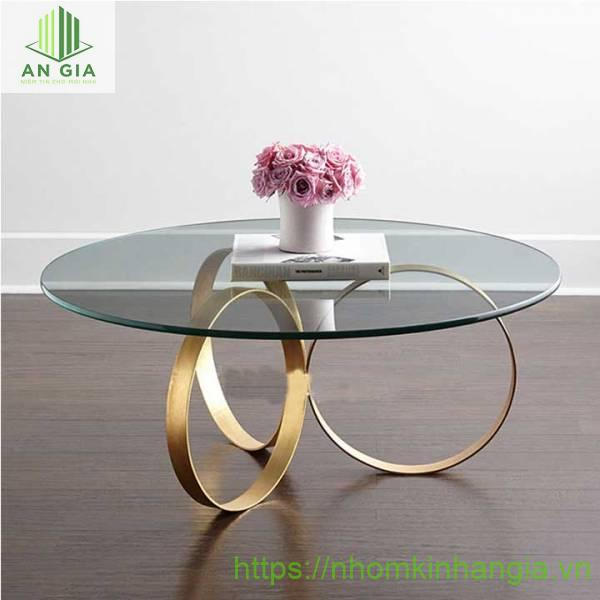 Mẫu 5: Kiểu dáng bàn rất phù hợp với những không gian biệt thự hiện đại, cấu trúc dạng tròn tạo cho sản phẩm sự độc đáo, nổi bật
