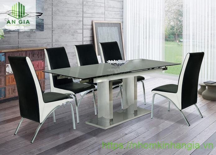 Mẫu 14: Chân bàn không chỉ thiết kế gồm 2 trụ inox mà còn phần đế khá chắn chắn gắn chặt vào sàn nhà