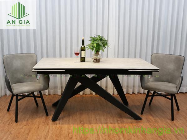 Mẫu 5: Chân bàn từ gỗ cao cấp với khả năng chống mối mọt cao, tránh tình trạng ăn mòn như nhiều vật liệu khác