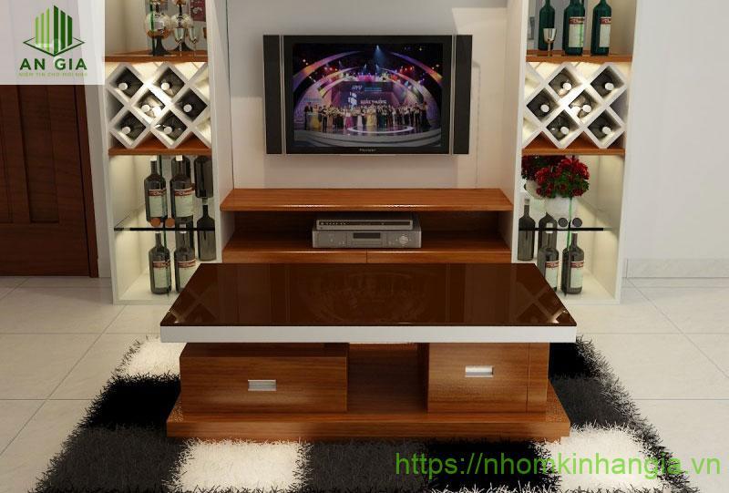 Mẫu 3: Lớp kính cường lực của sản phẩm được phối màu sắc phù hợp với chân bàn tạo nên một chiếc bàn có tính thẩm mỹ cao