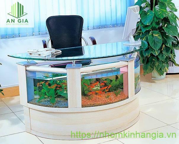 Mẫu 9: Với cấu trúc bán nguyệt, mẫu bàn này rất phù hợp cho các văn phòng tăng thêm sự thoải mái, thư giãn sau những giờ làm việc căng thẳng