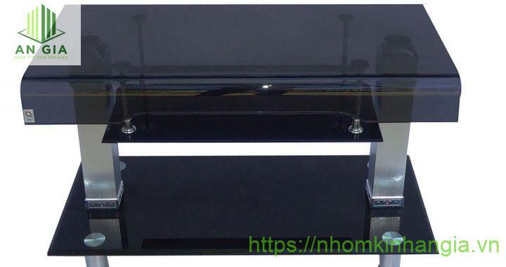 Mẫu 14: Tấm kính cường lực với độ dày đạt 15mm mang đến sự chắc chắn và khả năng chịu lực tối ưu cho sản phẩm