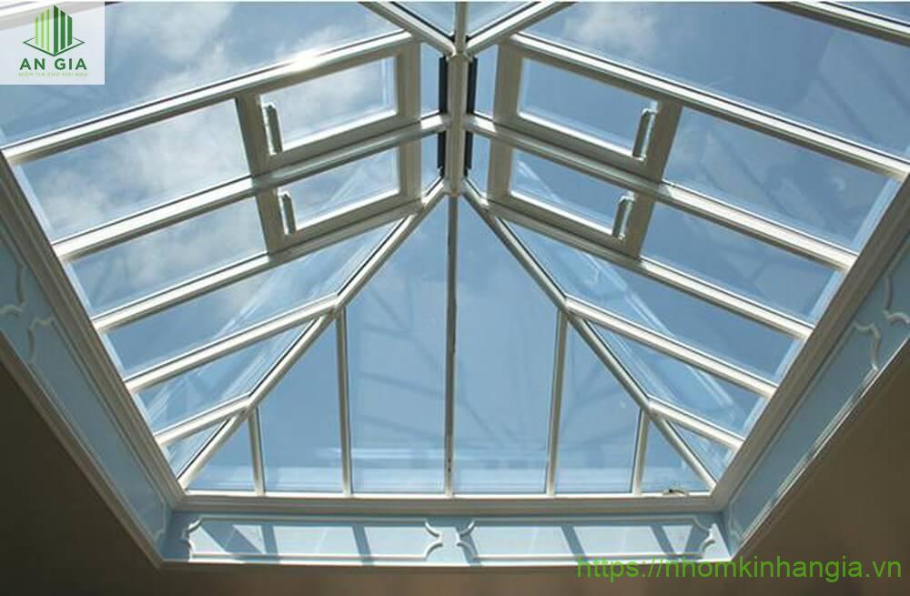 Máy kính giếng trời thiết kế nổi bật