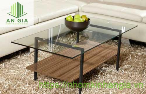 Mẫu 18: Vật liệu chính sử dụng cho mẫu bàn này gồm kim loại, kính cường lực và gỗ cao cấp