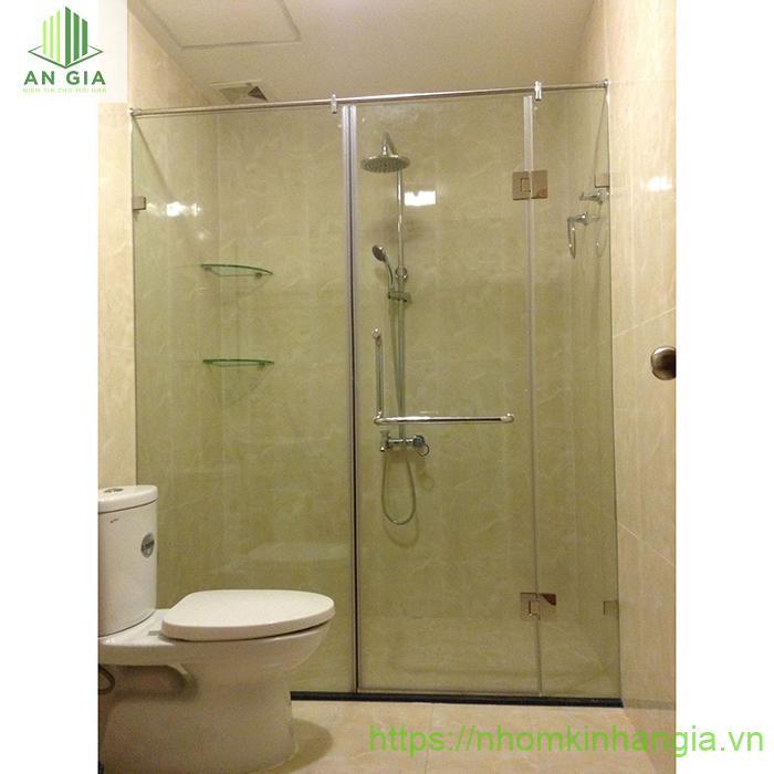 Các vật liệu sản xuất vách tắm kính cửa lùa luôn đảm bảo chất lượng tốt nhất