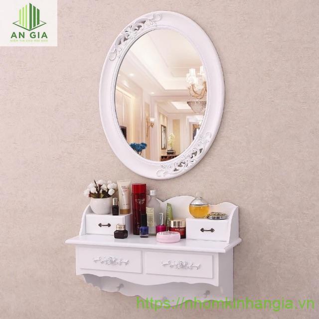 Mẫu 3: Gương nhựa với những họa tiết độc đáo được rất nhiều khách hàng yêu thích bởi sự tinh tế